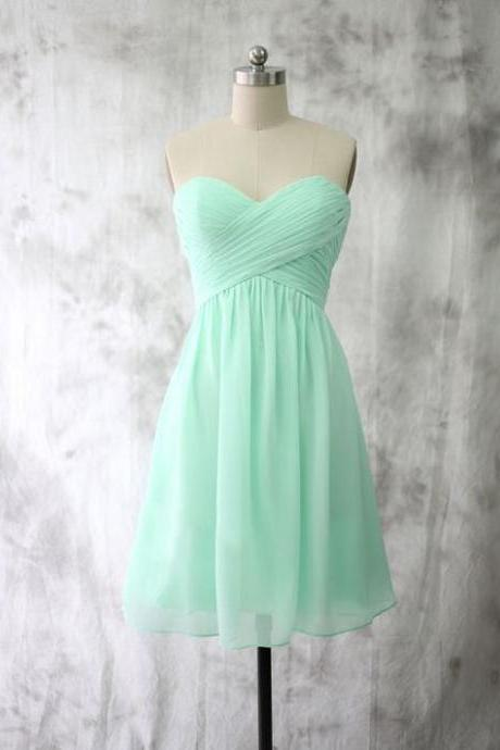 Green Chiffon Ruched Sweetheart Short A-Line Homecoming Dress