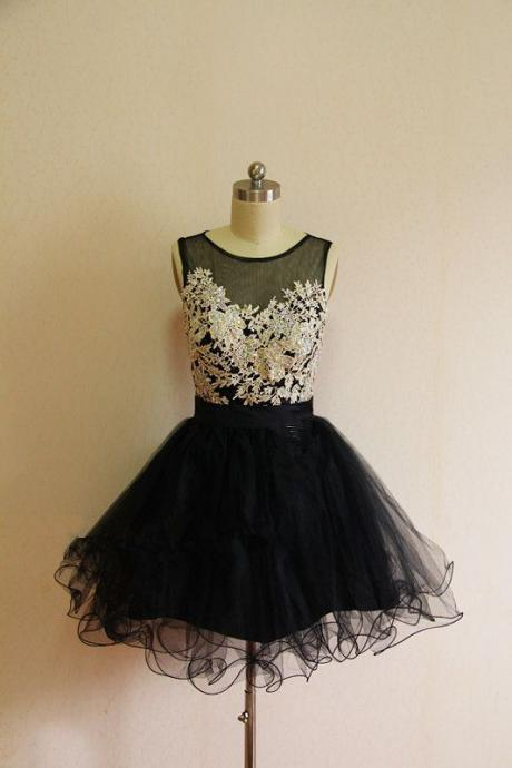 Lovely Short Tulle Homecoming Dresses Appliques Crystals Party Dresses